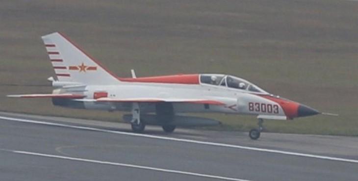 учебно-тренировочный самолет JL-9G «Орлан»