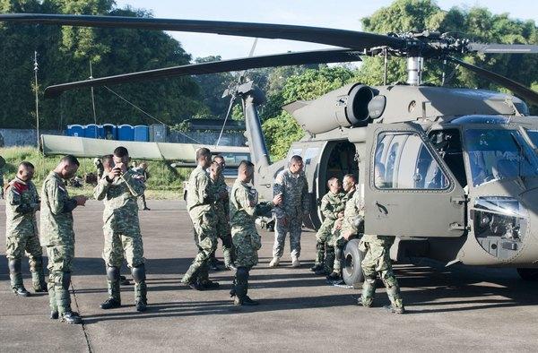 UH-60 в Индонезии (c) UH-60