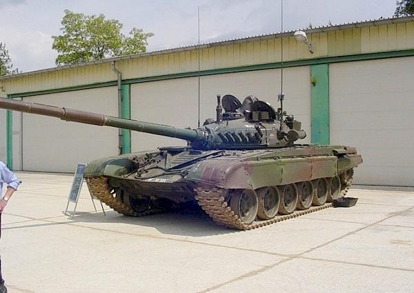 танк М-84 (c) www.military-vehicle-photos.com