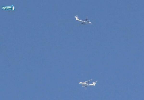 Российские Ил-76 в небе над Сирийским городом Латакия