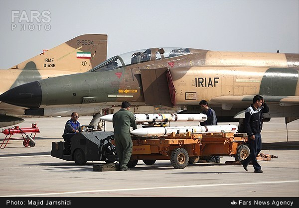 F-4E ВВС Ирана с ракетами AIM-7 Sparrow
