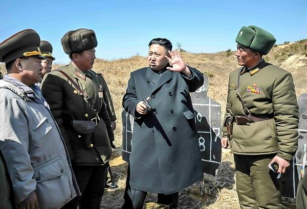Ким Чен Ын.    фото military_photos