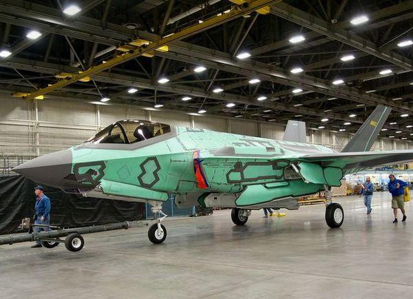 (c) Lockheed Martin