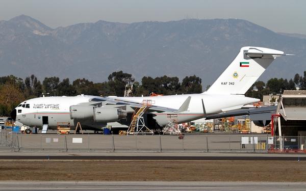 C-17 ВВС Кувейта(c) Michael Carter aviationweek.com