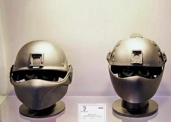 футуристические бронешлемы «Армоком»