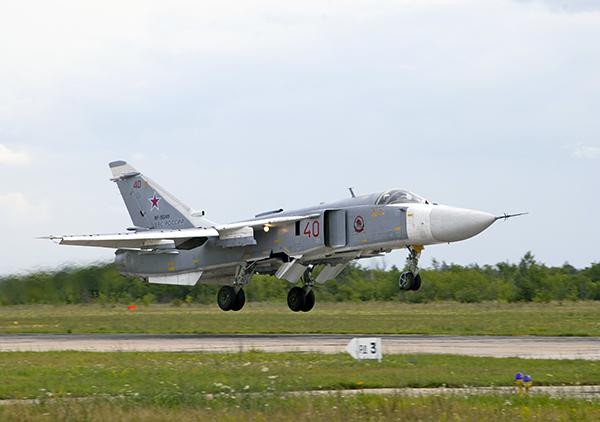 Су-24 ВВС России (c) www.rg.ru