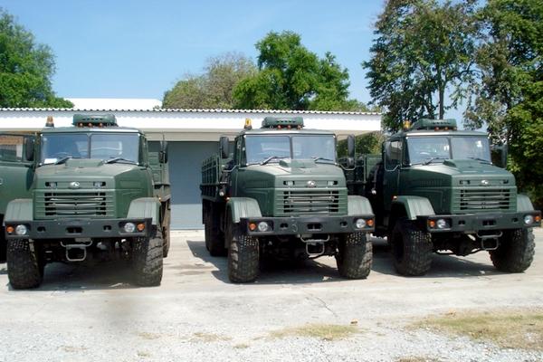 КрАЗы в Королевской армии Таиланда (c) www.autokraz.com.ua