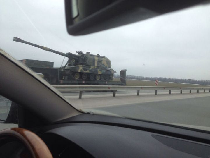 Военная техника на трассе М23 «Ростов-Таганрог»