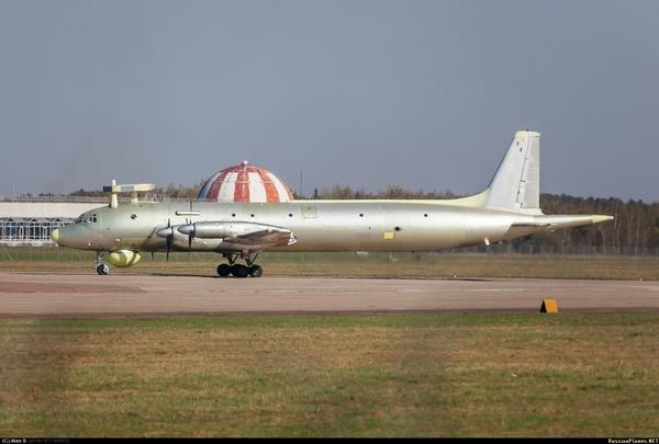Ил-38Н с Новелла-П-38 (c) Алексей (другой) / russianplanes.net