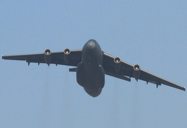 самолет Y-20 (c) www.militaryparitet.com