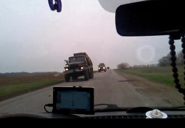 по запорожской трассе движется автоколона