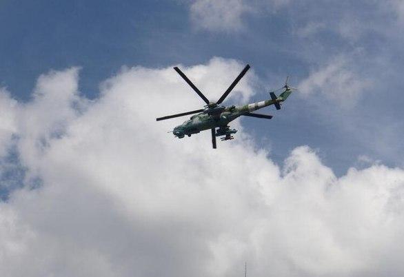 Вертолет ВС Украины над Славянском