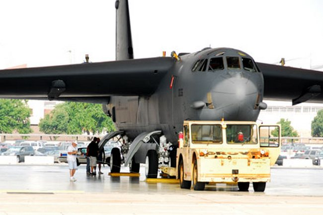 B-52 Stratorfortress CONECT