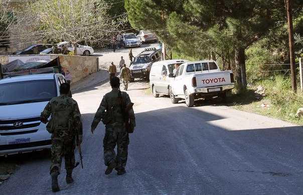 Армейское подразделение спускается в Самра