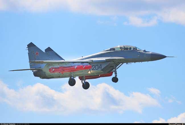 МиГ-29КУБ с макетами противокорабельных ракет Х-35У (c) Алексей Карпулёв / russianplanes.net