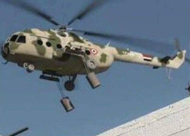 Ми-8 ВВС Сирии с бочковыми бомбами