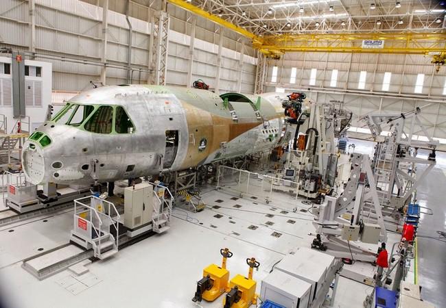 Постройка первого KC-390