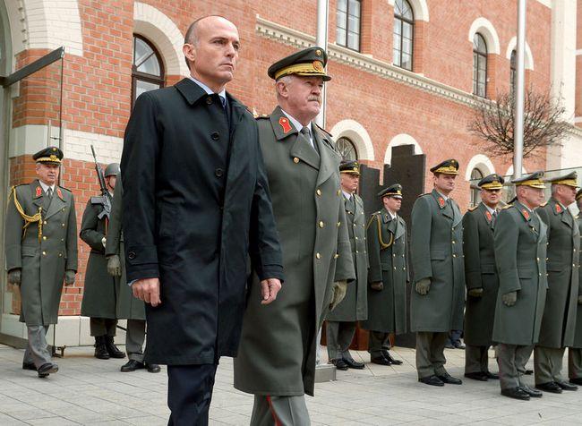министр обороны Австрии Геральд Клюг