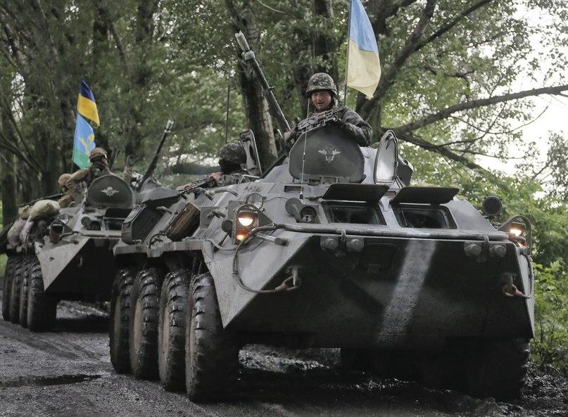 БТР-80 ВС Украины (с) AP Photo/Efrem Lukatsky
