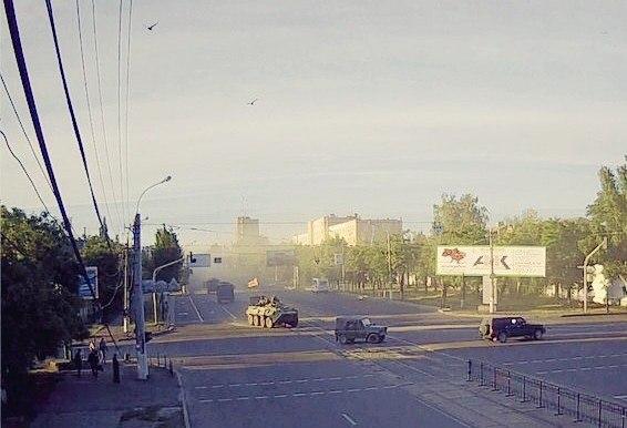 колона военной техники Луганск 20.06.2014