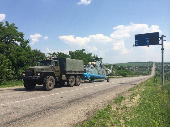 эвакуации Ми-24 из Славянска (c) vk.com/air_force_ua