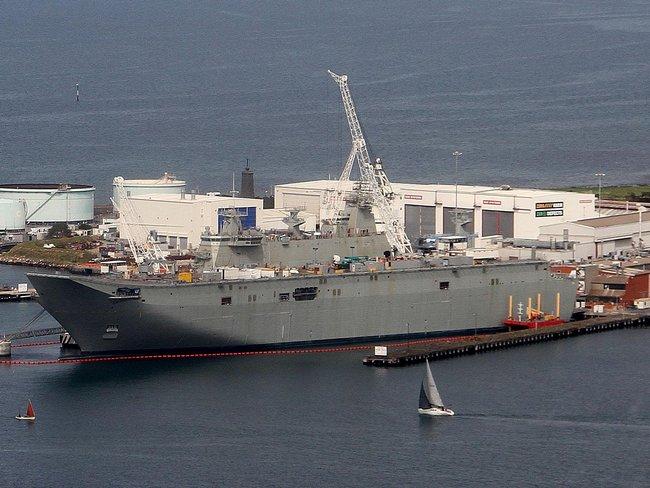 корабль-вертолетоносец Canberra