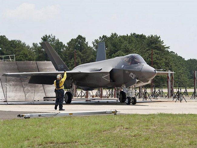 F-35C (c) www.jeffhead.com