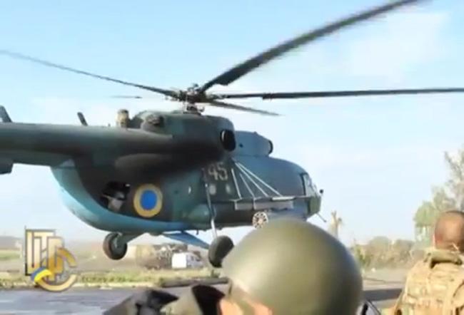 эвакуация раненых ВС Украины после обстрела