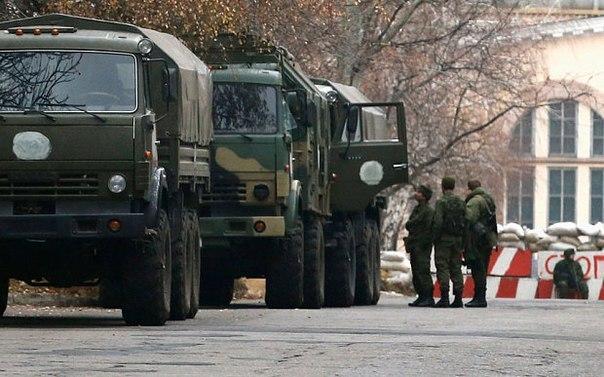 В Донецк вошла колона военных грузовых автомобилей