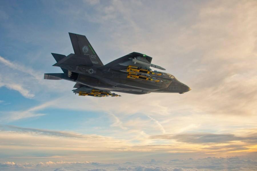 F-35B с ракетами ASRAAM