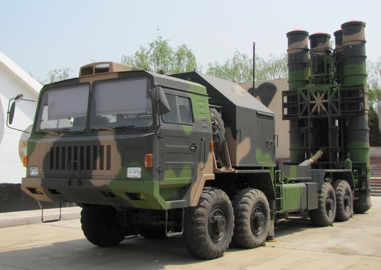 Китайский ЗРК HQ-9 (с) greendef.blogspot.ru