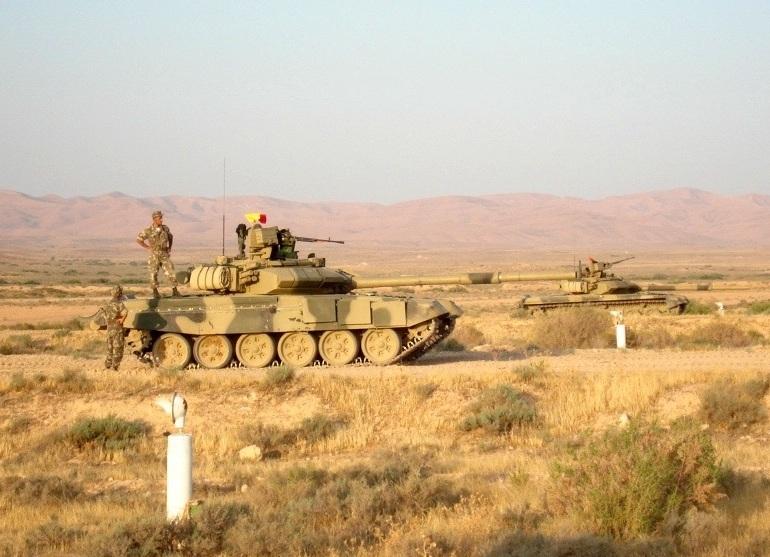 Танки Т-90СА алжирской армии. Снимок 2012 года (с) Т800 / forcesdz.com