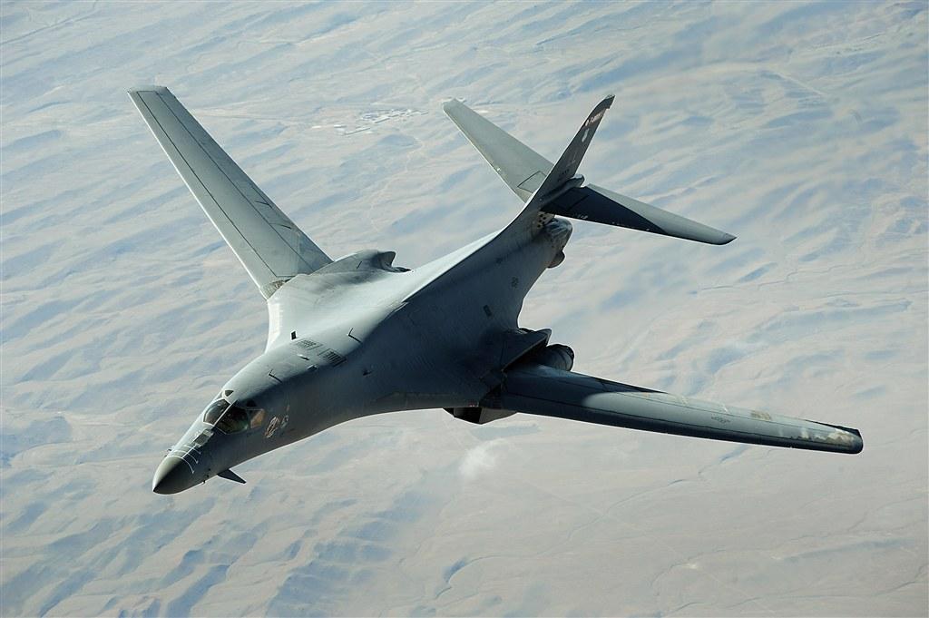 Бомбардировщики ВВС США приблизились к российским границам на Балтике