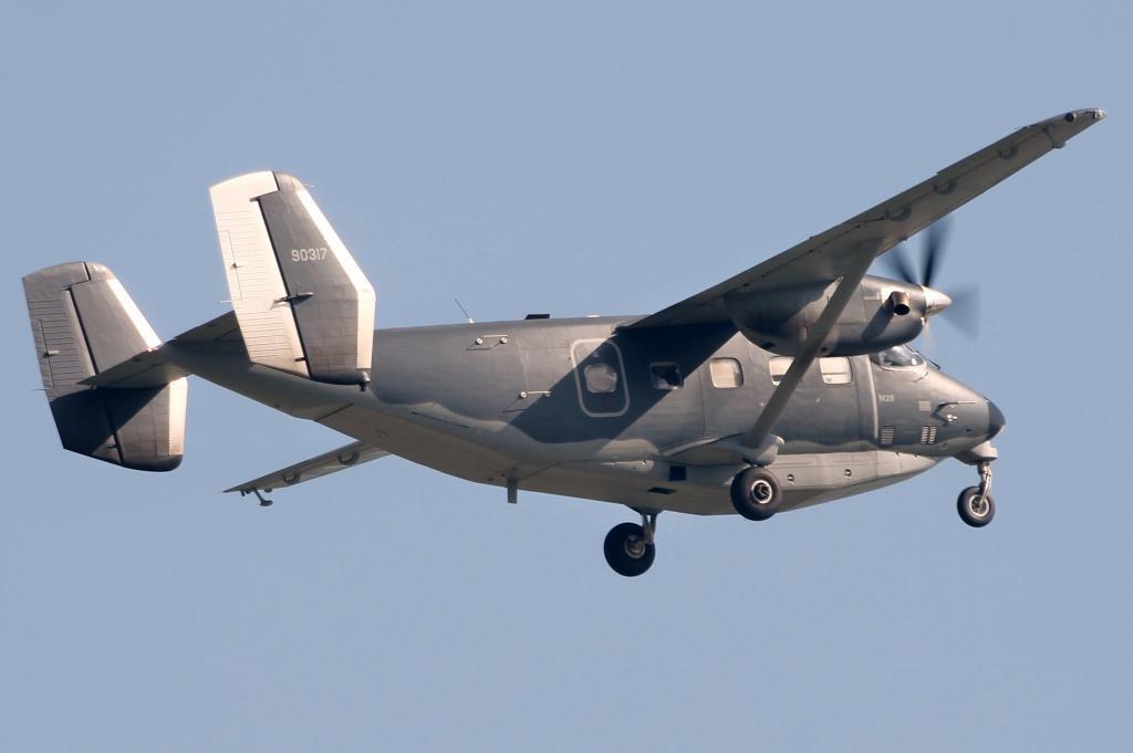 Легкий транспортный самолет PZL Mielec М28 Skytruck (С-145А, номер ВВС США 09-0317, заводской номер AJE003-17) Командования специальных операций ВВС США. Штуттгарт (Германия), 13.11.2012 (с) j.m. / /www.fencecheck.com