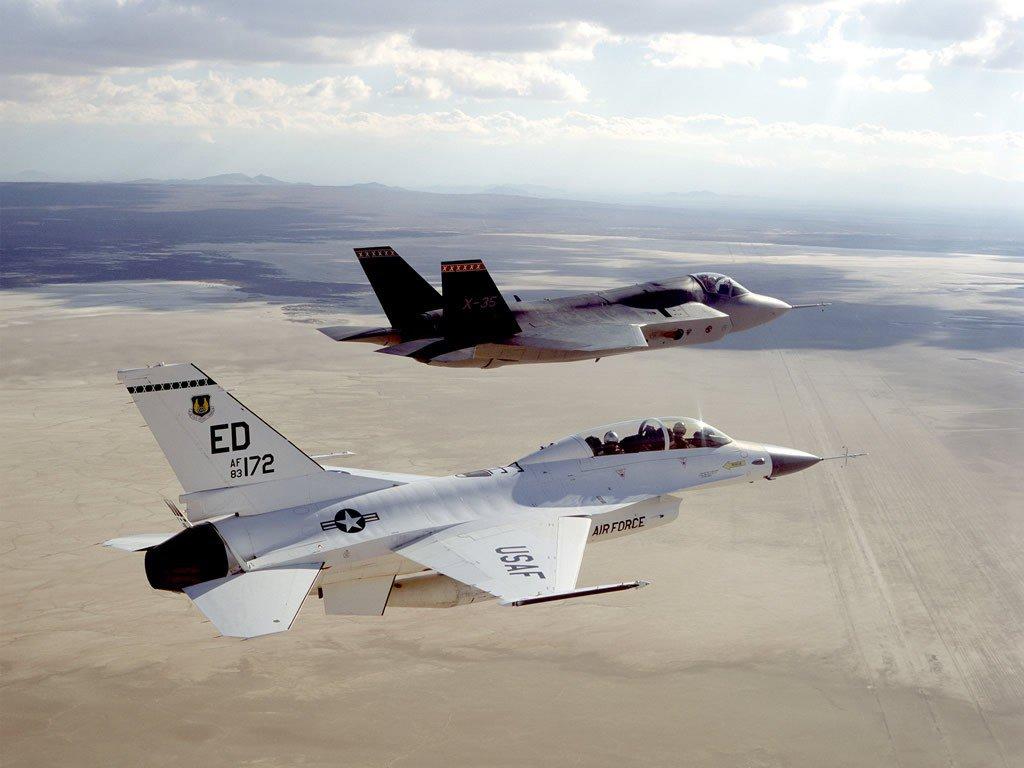 F-35 и  F-16 (с)  breakingdefense.com