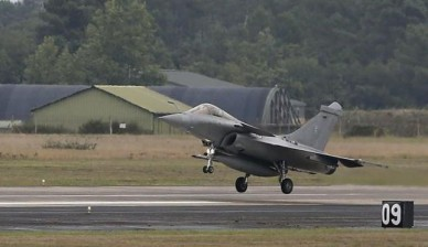 A Rafale fighter jet takes off from the air base in Mont de Marsan