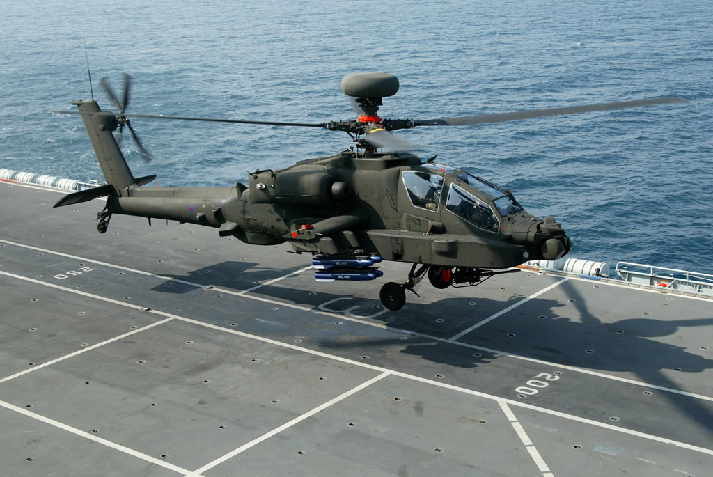 AIR_AH-64D_Apache_UK_on_Ship_lg