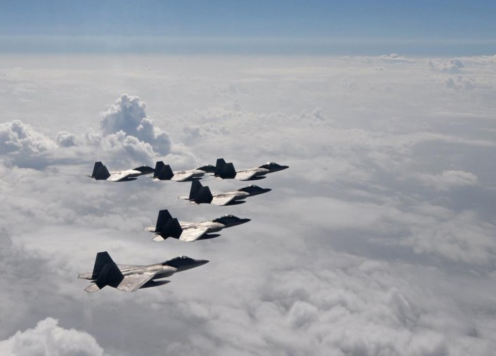 F-22-formation-2-706x506