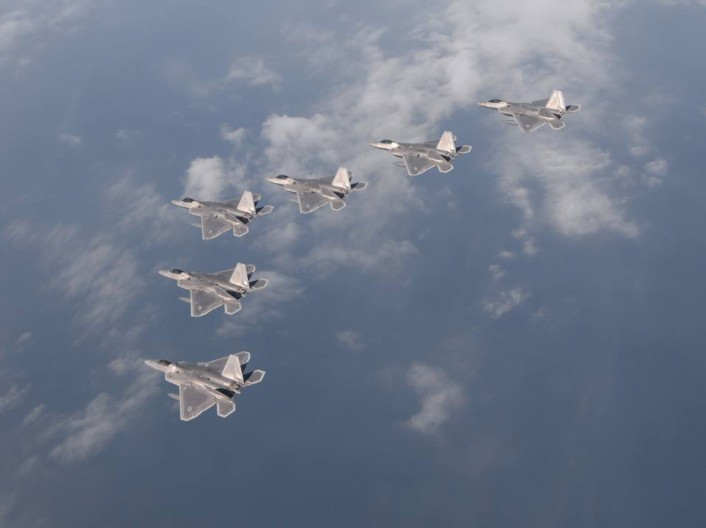 F-22-formation-top-706x528