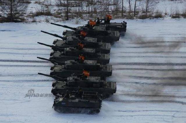 Japanese Tank Division Exercises with 90 tanks 4