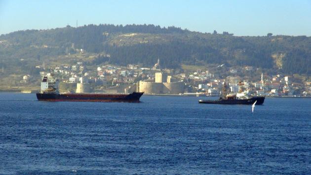 rus-askeri-kargo-gemisi-canakkale-bogazi-1208495v1