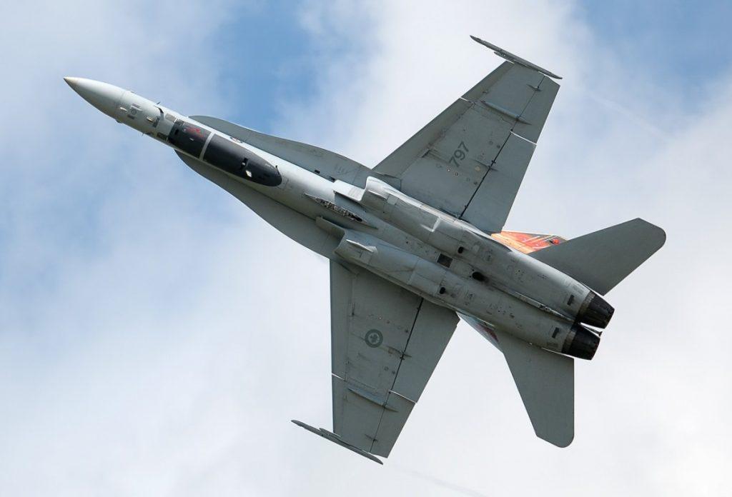 Истребитель СF-18