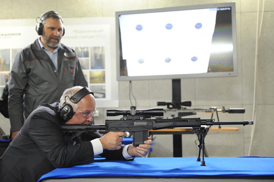 Конструкторские испытания одной из ранних версий карабина СК-16 thefirearmblog.com