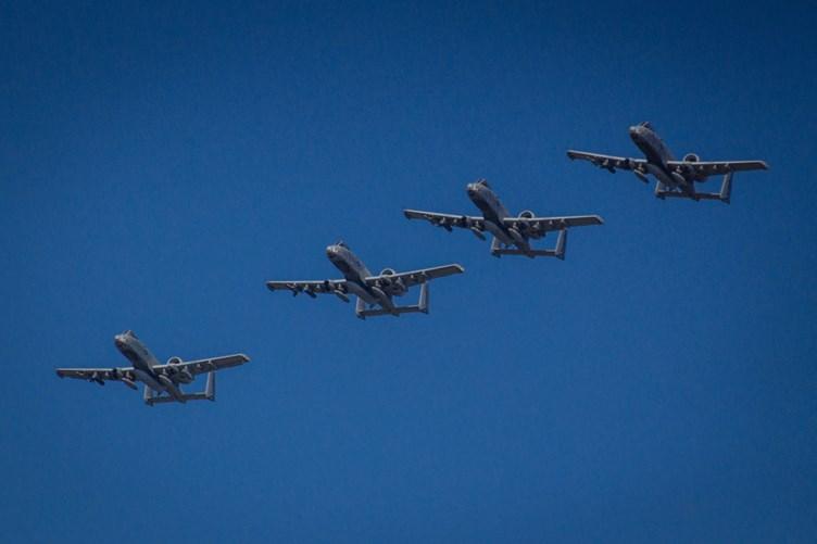 В Эмари приземлились восемь самолетов A-10 из США. Фото: mil.ee