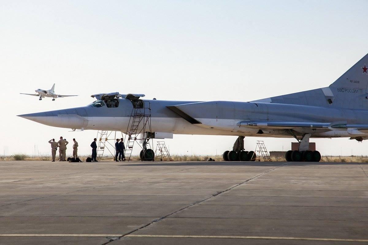 авиабаза в иране хамадан квартиру Республике